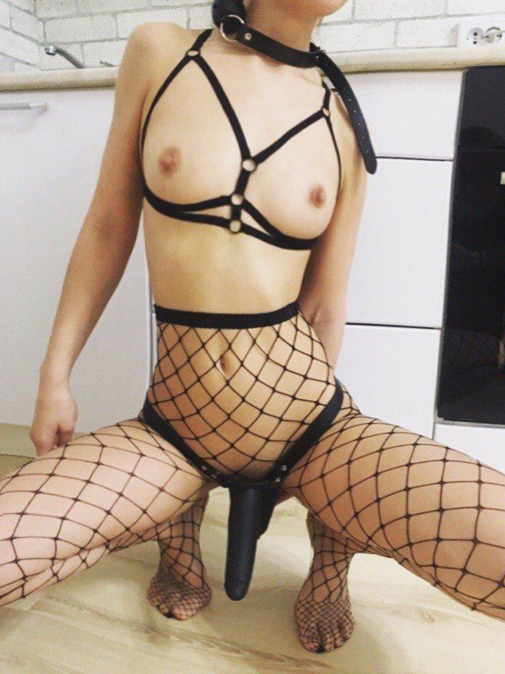 Проститутка город новосибирск по услуги страпон